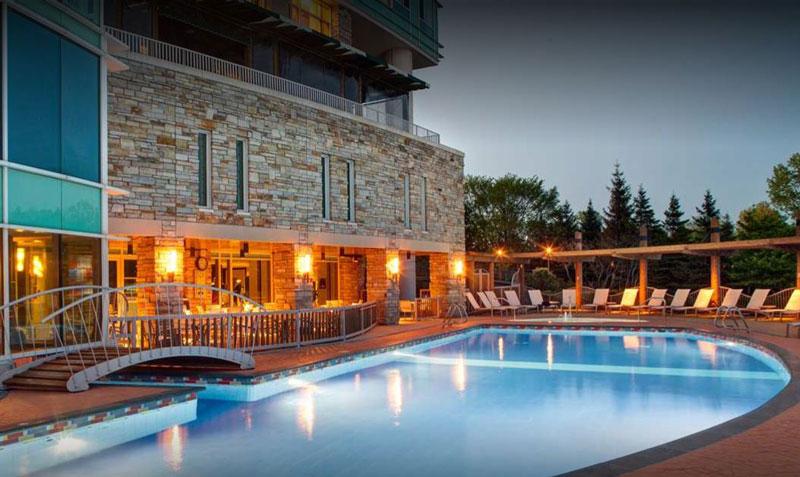 Piscine extérieure chauffée - Hilton Lac-Leamy